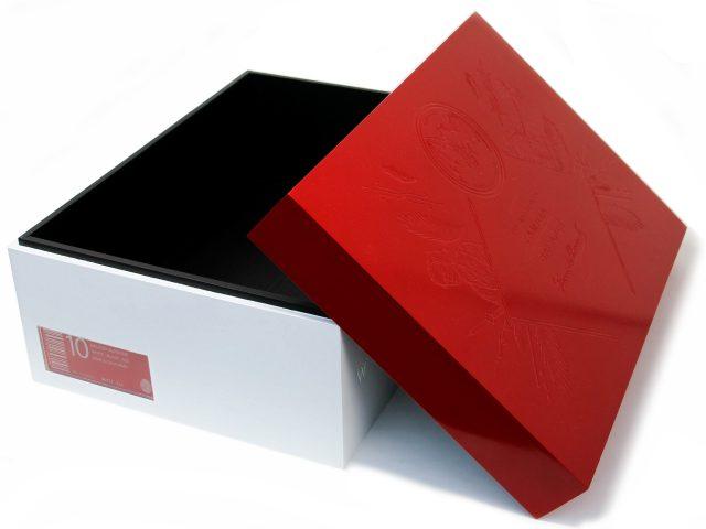 Open Bacardi Box